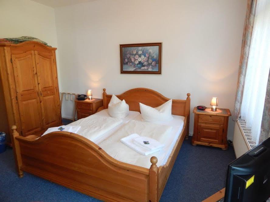 Hotel-Doppelzimmer1.jpg